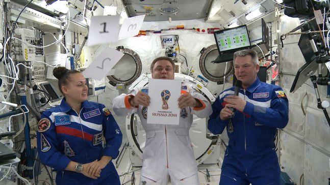 A pein d voil les d tournements du logo fifa russia - Quitte moi pendant la coupe du monde ...